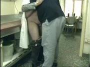 Зрелую пару любовников скрытая камера застукала за интересным занятием