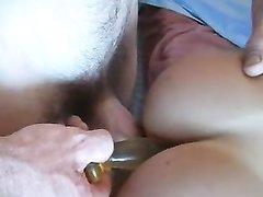 Парень лижет анус французской брюнетке перед домашним сексом с минетом