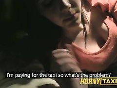 Брюнетка в любительском видео от первого лица сосёт член водителя и трахается в машине