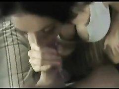 Грудастая брюнетка в любительском видео от первого лица сосёт большой член