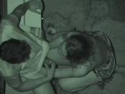 Скрытая камера снимает на видео любительский минет и мастурбацию члена