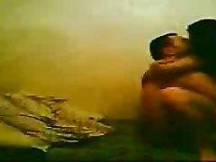 В отеле скрытая камера записывает страстный домашний секс турецкой пары