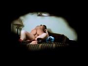 Жёсткий домашний секс с развратницей через дырку в стене снимает скрытая камера