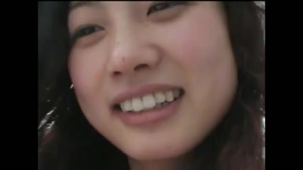Стройная азиатка с волосатой киской развлекается в домашнем видео с мужем