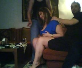 Секс перед камерой любительское, девушки в джинсах показывают свои попки эро фото