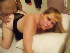 Толстая зрелая бразильянка ради домашнего секса изменила мужу со смуглым парнем