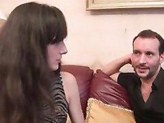 Красивая француженка в домашнем анальном видео после куни отдалась в каждую дырку