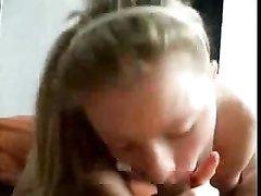 Любительский минет от первого лица в видео крупным планом сделала молодая блондинка