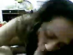 Жирная арабская брюнетка в любительском видео от первого лица трахается после минета