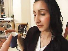 Арабская красотка на любительском порно кастинге трахается с французом