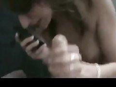 Минет от первого лица в любительском видео исполнен молодой проституткой