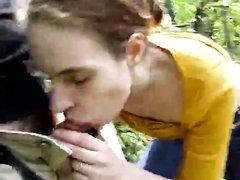 Молодая проститутка в горячем видео от первого лица делает минет за деньги