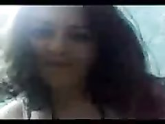 Восточная красотка с большой попой в домашнем видео от первого лица верхом на члене