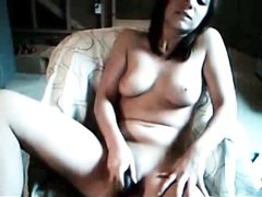 Грудастая красотка на вебкамеру занялась любительской мастурбацией с секс игрушкой