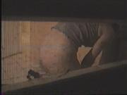 Онлайн любительское подглядывание за зрелой леди с большой попой через скрытую камеру