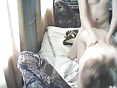 Супружескую измену любовников подглядывает и снимает на видео скрытая камера