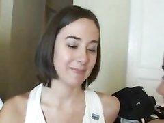 Молодые брюнетки в любительском видео от первого лица строчат двойной минет
