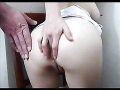 Белая проститутка не отказала смуглому клиенту в домашнем анальном сексе
