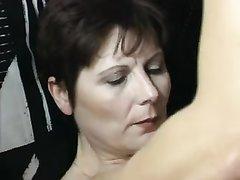 Латинская зрелая дама для любительского анального секса пригласила молодого коллегу