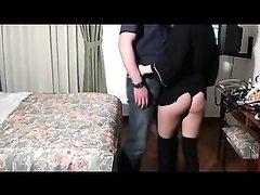 Скрытая камера запечатлела любительский секс со зрелой брюнеткой в чулках