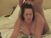 Грудастая толстуха на карачках в домашнем видео ощутила проникновение члена