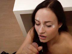 Любительская нарезка видео с окончаниями на лица развратниц после минета