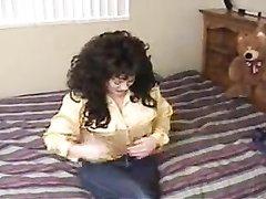 Нежный любительский секс с минетом от первого лица со зрелой брюнеткой