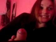Любительский минет смазливой проститутки от первого лица снят на видео
