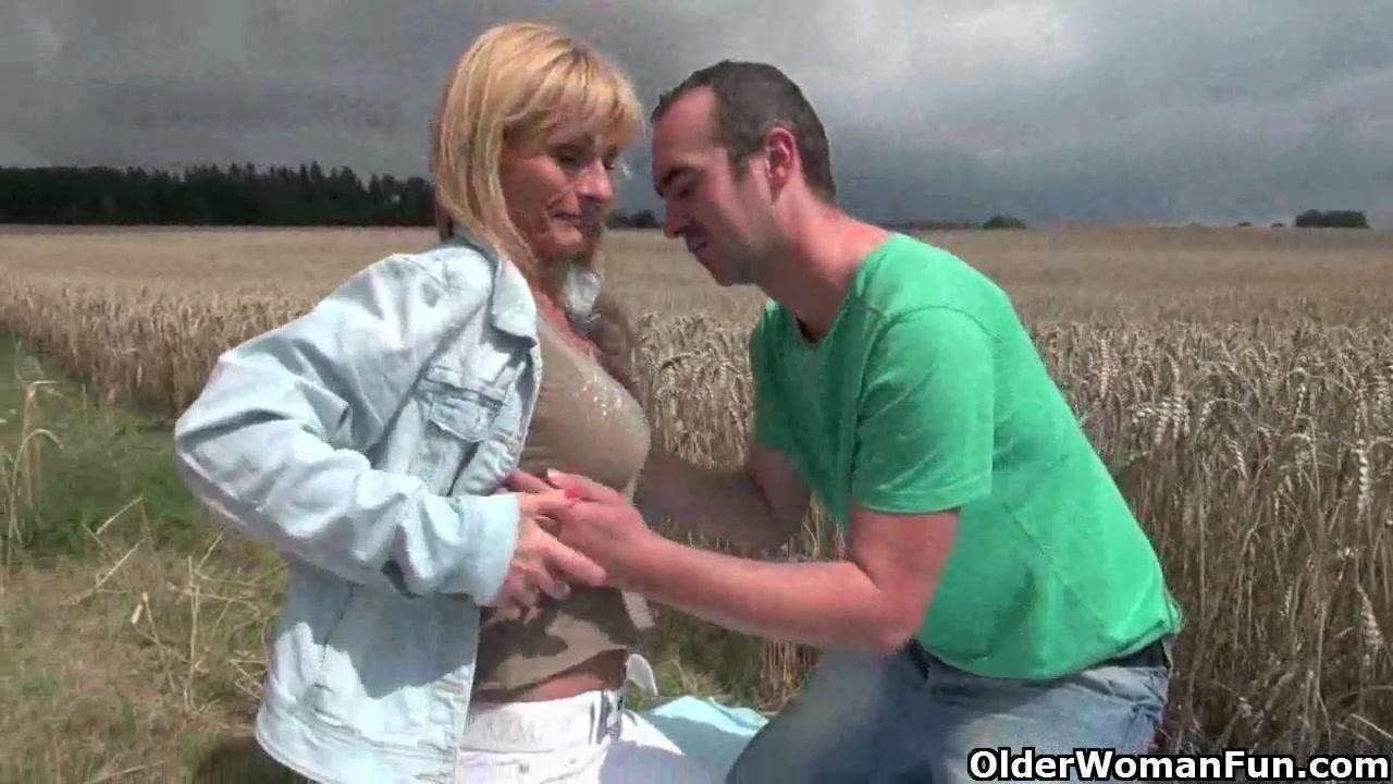 Порно видео с молодыми и юными девушками