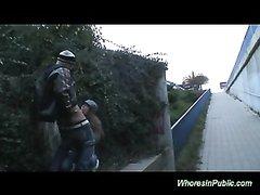 Пикапер в любительском видео на улице трахает привлекательную незнакомку