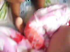 Белый турист снял домашнее видео от первого лица со смуглой тайской шлюхой