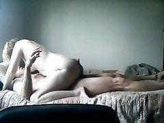 Зрелая толстуха в домашнем анальном видео перед скрытой камерой изменяет мужу