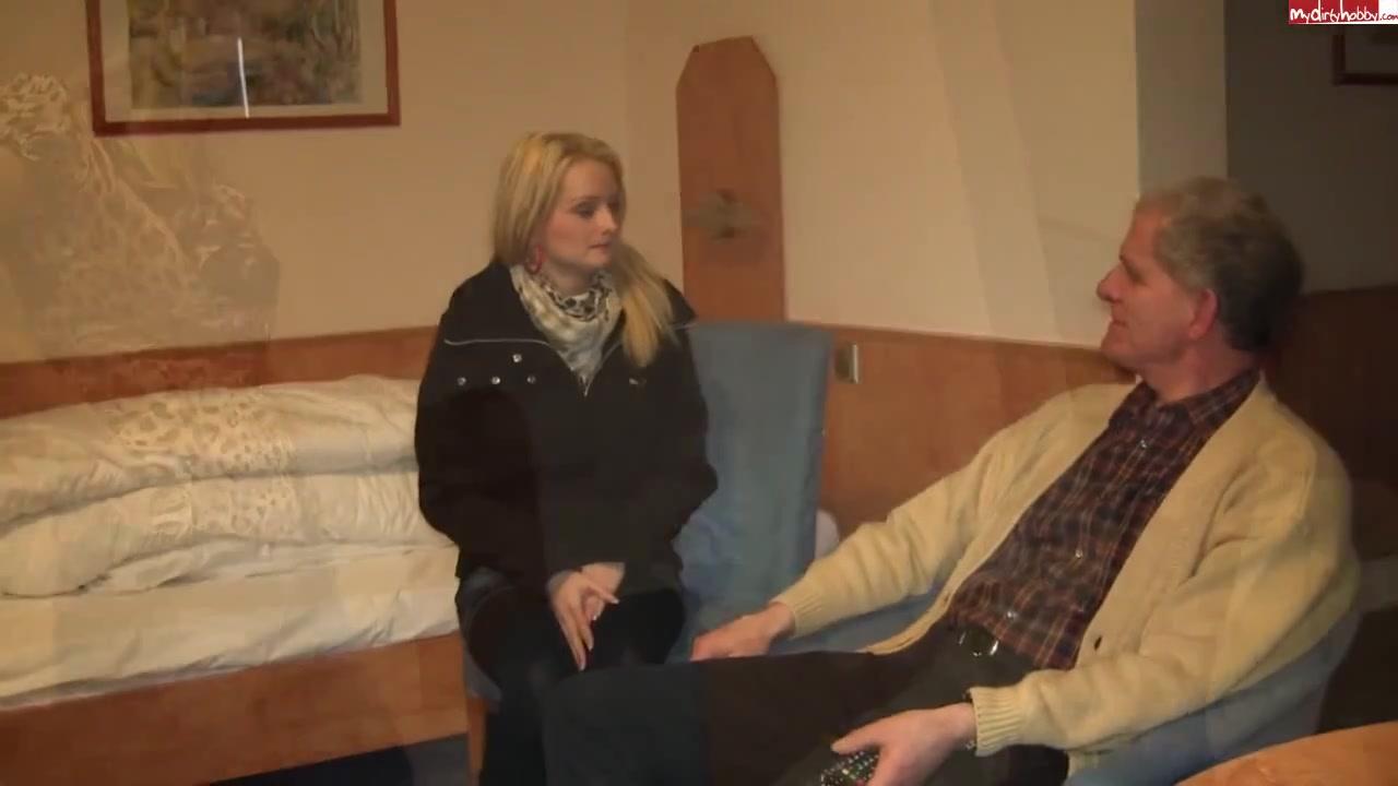 Видео секс зрелых женщин с отвисшими сиськами жена муж