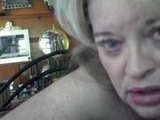 Толстая зрелая блондинка с большими сиськами обожает домашний секс с минетом