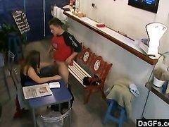 Скрытая камера сняла любительский секс красивой женщины на собеседовании