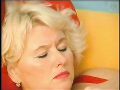 Русское любительское видео с толстой зрелой блондинкой и нежным студентом