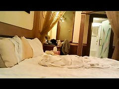 Любительский секс азиатки с большими сиськами перед скрытой камерой в спальне