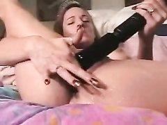 Чёрная и розовая секс игрушки для любительской мастурбации со сквиртингом