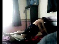 Жёсткий домашний секс со зрелой развратницей снят в спальне скрытой камерой