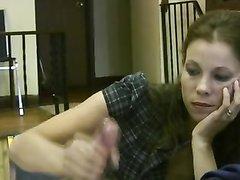 Домашняя мастурбация члена красивой женщиной до оргазма в видео от первого лица