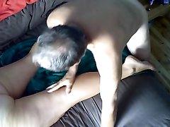 Грудастая зрелая толстуха рассчиталась домашним минетом за эротический массаж