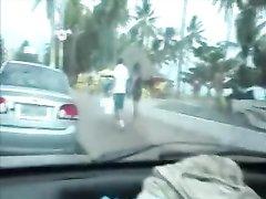 Любительский минет от первого лица водителю делает зрелая бразильянка
