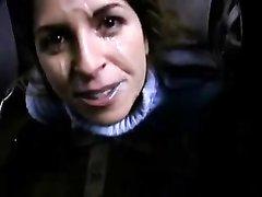 Проститутка на подземной парковке за деньги сделала любительский минет для буккакэ