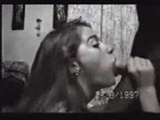 Девушка с любовью отсасывает член и отдавшись в киску открывает рот для спермы