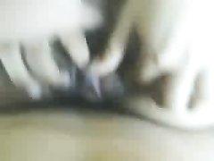 Фигуристая брюнетка дома в постели скачет на члене верхом и трахается лёжа