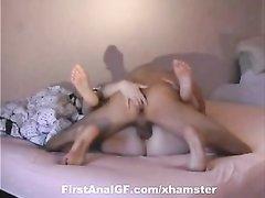 Скрытая камера снимает домашний анальный хардкор со зрелой соблазнительницей