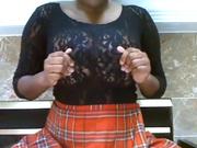 Негритянка предалась домашней мастурбации с игрушками крупным планом