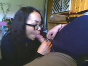 Азиатская брюнетка в очках подарила боссу на юбилей любительский минет