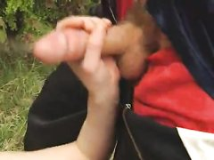 Рыжая студентка в парке трахается в волосатую киску после любительского минета