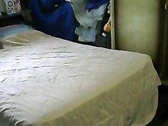 Скрытая камера для любительского подглядывания за индийской парочкой